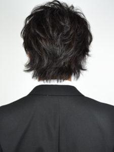 メンズビジネスヘア。ミディアム+ゆるパーマ
