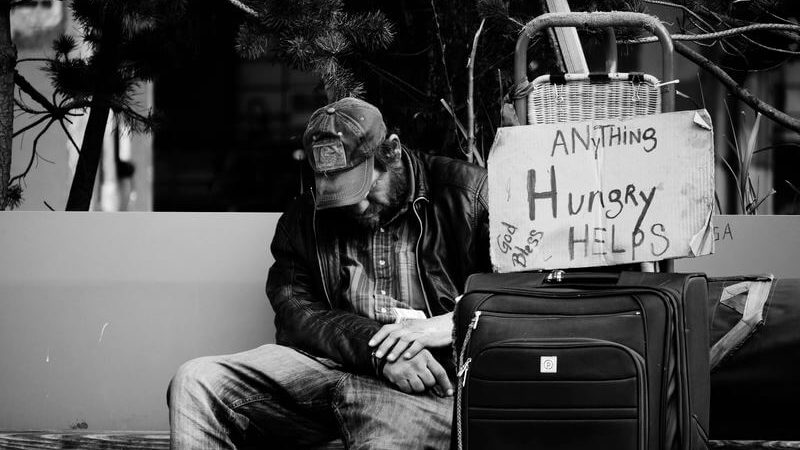 空腹の男性